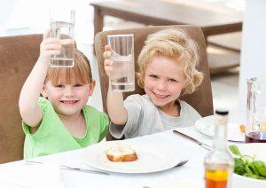 νερό και υγεία παιδιά